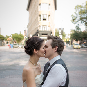 Vancouver wedding photographer photography photographers morgan darcy photography downtown west end gastown bride groom style portraits